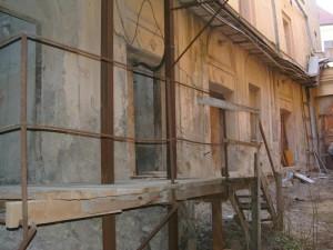 Zdevastovaný Dům U Sixtů v Celetné 2